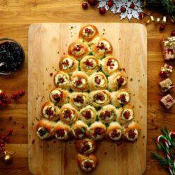 Bacon Brie Pull-Apart Christmas Tree