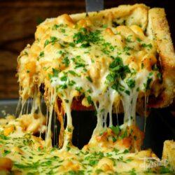 Taco Mac 'N' Cheese Garlic Bread Pie