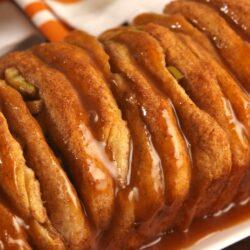Caramel Apple Pull-Apart Bread