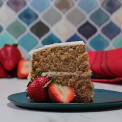 Classic Strawberry Cake
